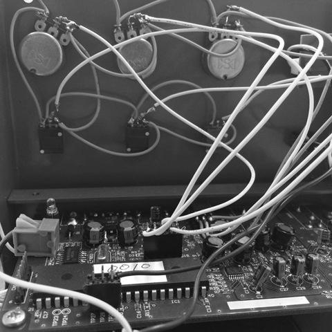 【デジタルエフェクターを作ってみる】第7回 基板をケースに仮組みしてみる の巻