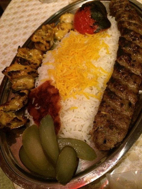 本格イラン料理レストラン「SHURU」でベリーダンスとケバブで観て食べて楽しいナイト