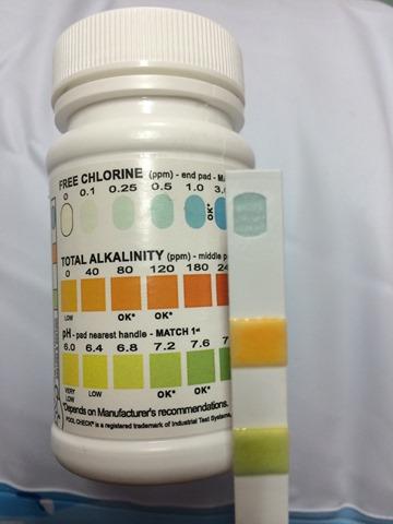 【ビニールプールの消毒】自宅ビニールプール残留塩素を塩素チェッカーでコントロールし、菌の繁殖を防ぐ の巻
