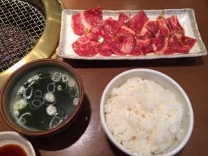大塚駅徒歩1分、豚骨ラーメン「ぼたん」でネギラーメンを食す の巻